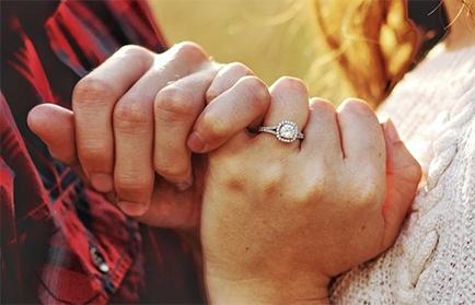 Regalar joyas expresa lo importante que es esa persona para ti